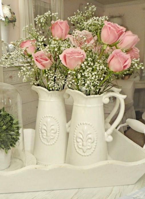 Рожевий букет троянд в інтер'єрі у стилі прованс