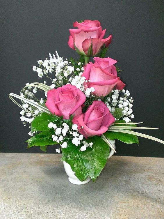 Троянди  з декором у букеті
