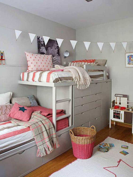 Затишний куточок для дитячого ліжка