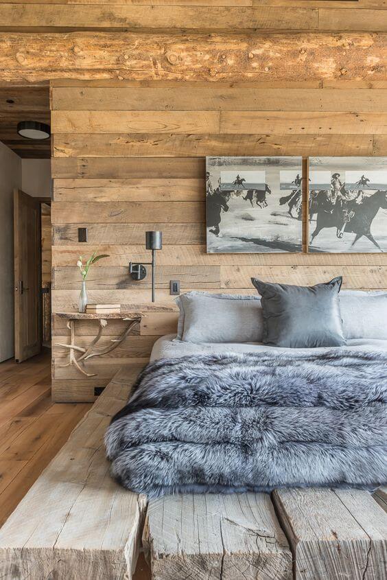 Дерев'яне оздоблення спальні в сільському стилі