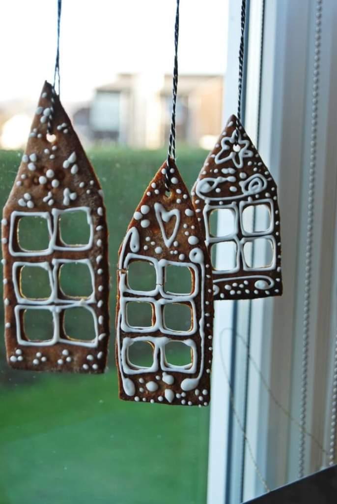Пряники для декорування вікна до Нового року