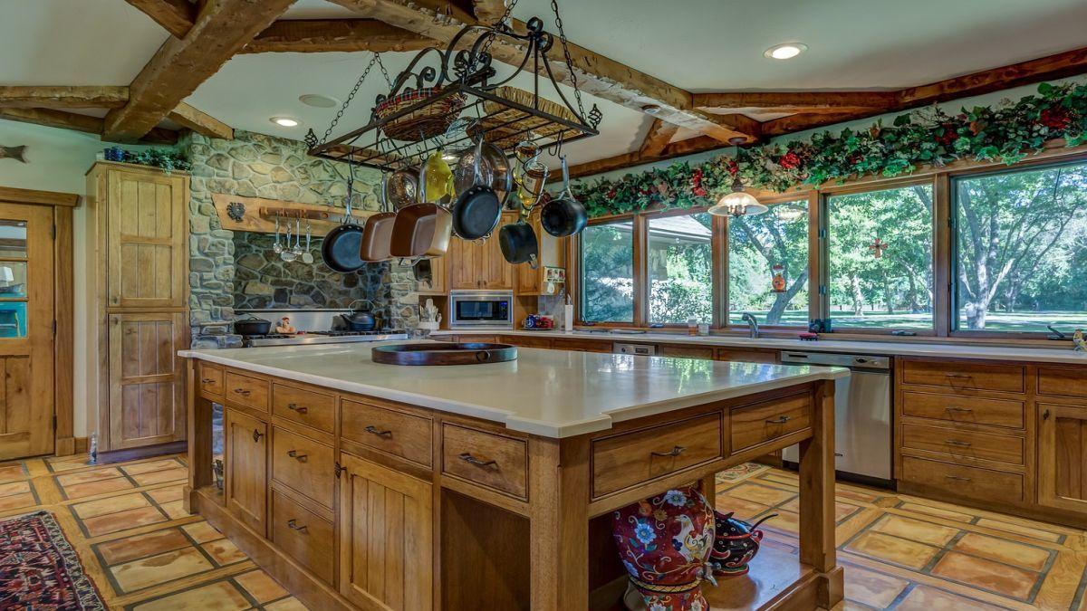 Кухонний острів для великої та маленької кухні