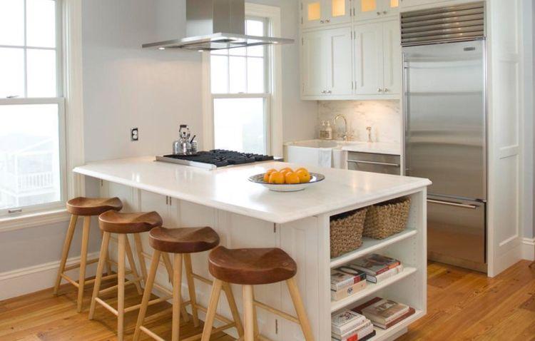 Холодильник маленького розміру в інтер'єрі кухні