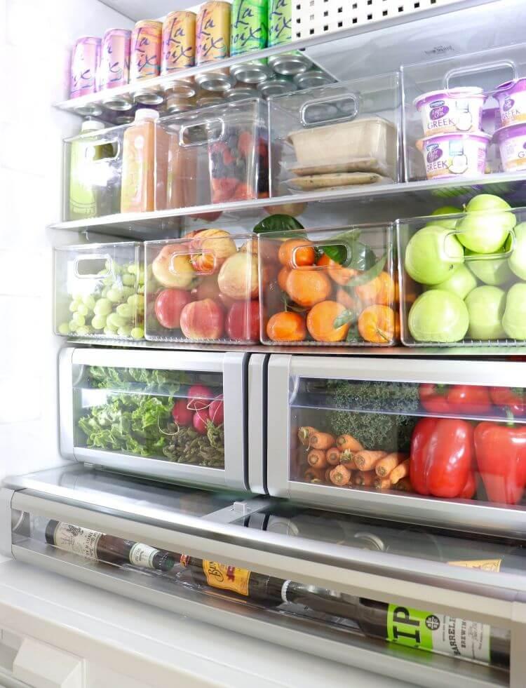 Секції холодильника для зберігання свіжих овочів, фруктів та зелені