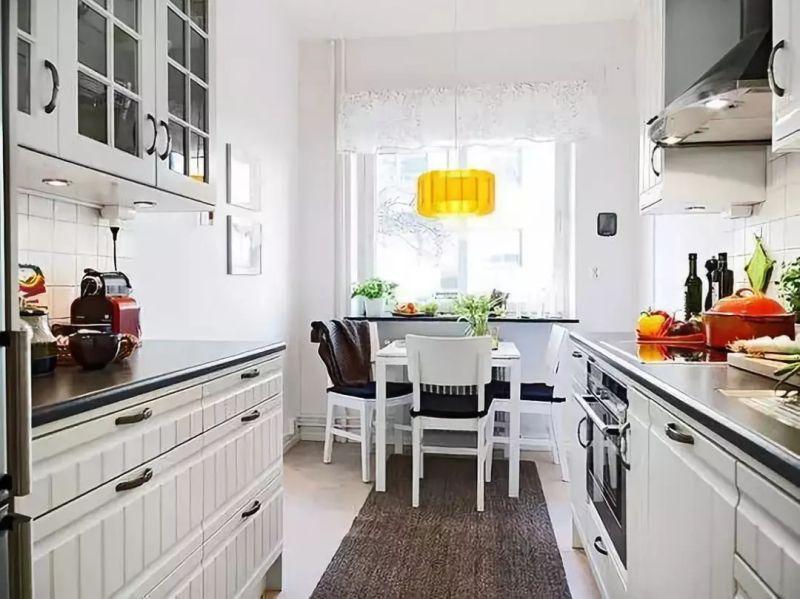 Паралельне планування кухні з обідньою зоною