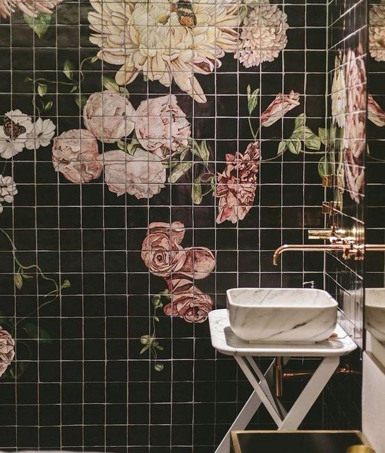 Квітковий декор в інтер'єрі ванної кімнати