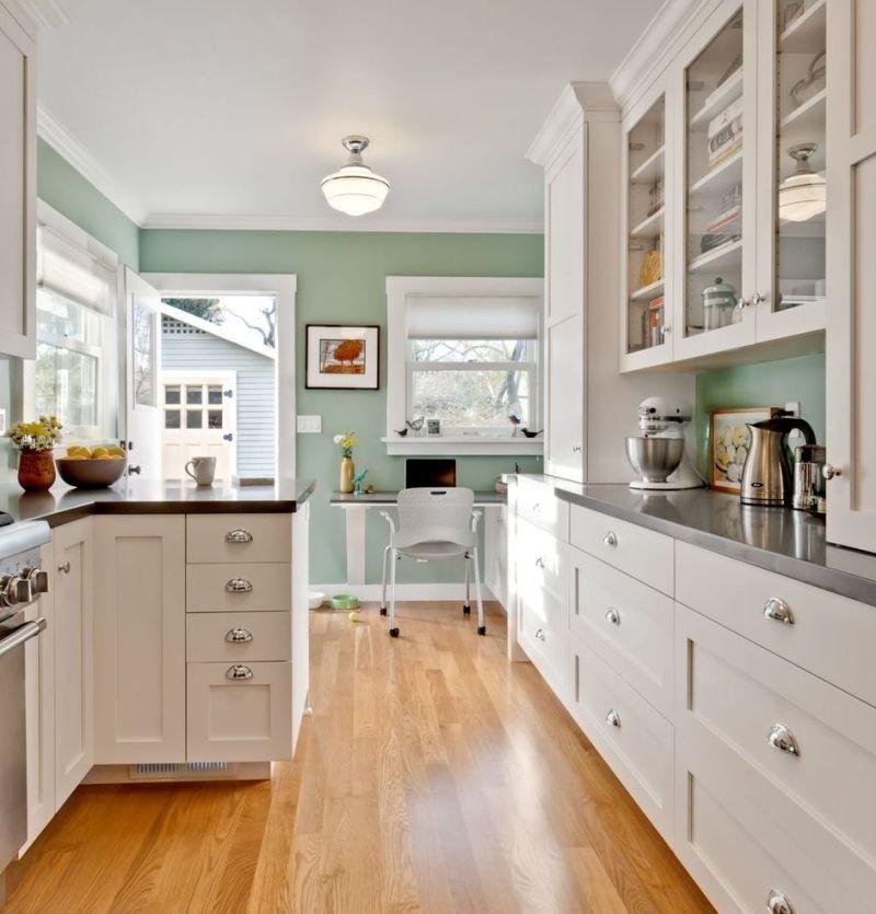 Паралельне планування кухні, що поєднується з коридором