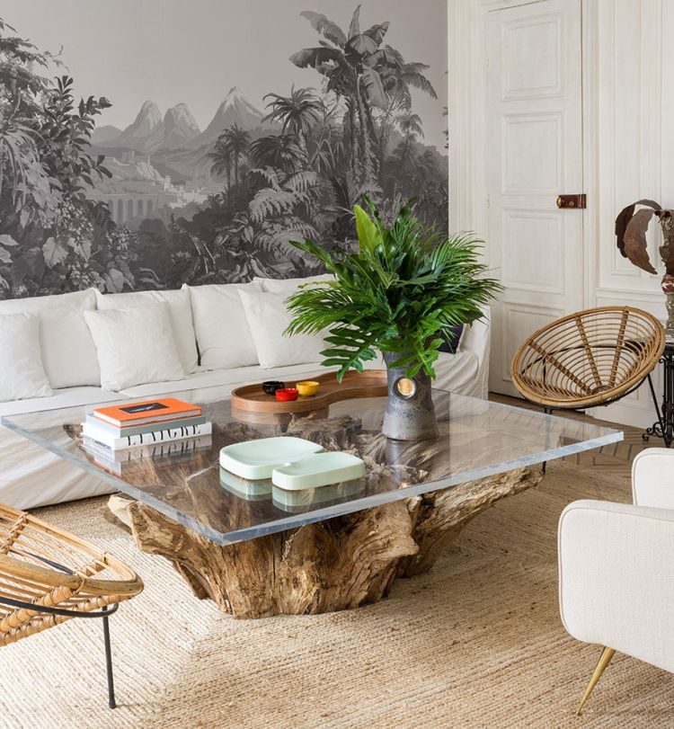 Журнальний столик зі скляною стільницею та дерев'яною основою