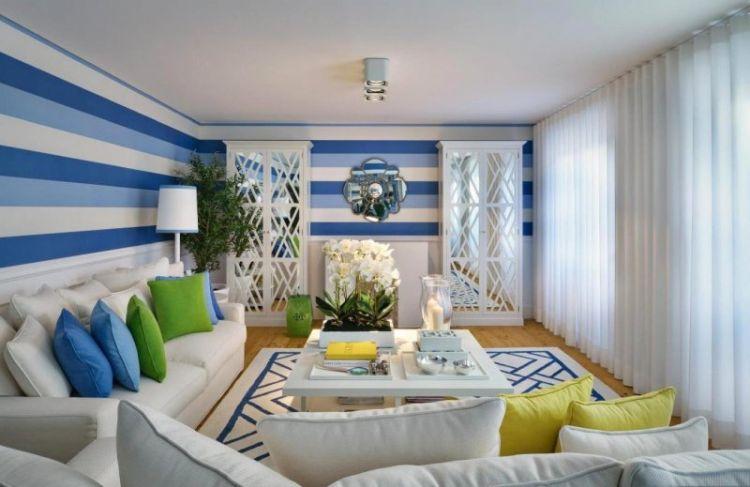 Кольори моря - синій і блакитний - в інтер'єрі вітальні