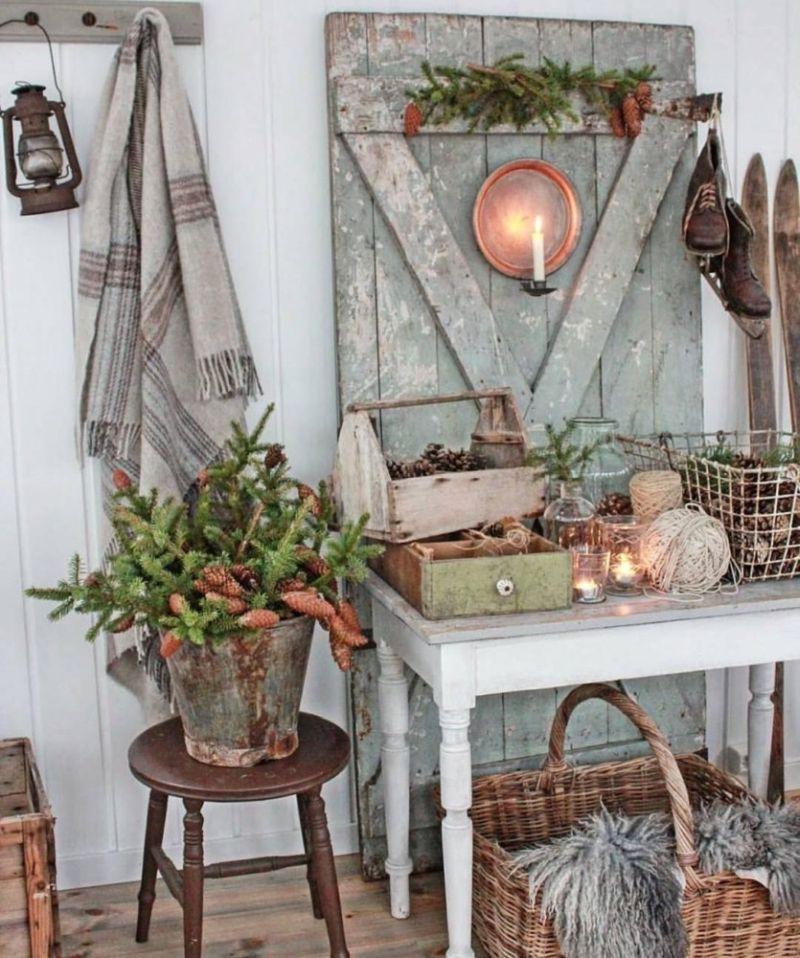 Плетений кошик для зимового декорування кантрі інтер'єру