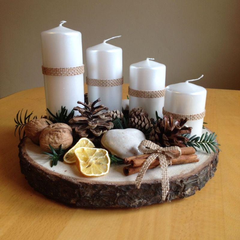Зимова композиція: свічки, шишки, горіхи, кориця