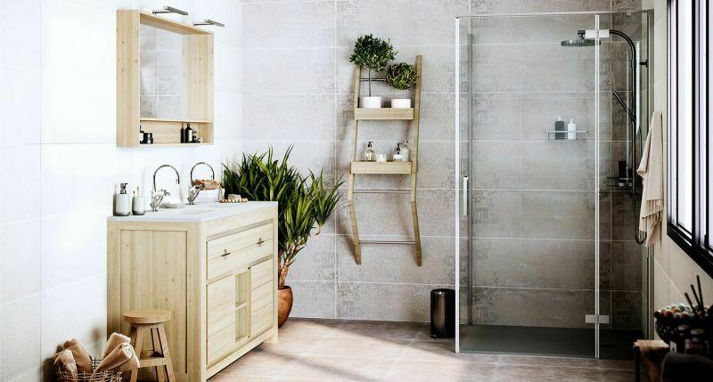 Безпорогова душова кабіна у маленькій ванній кімнаті