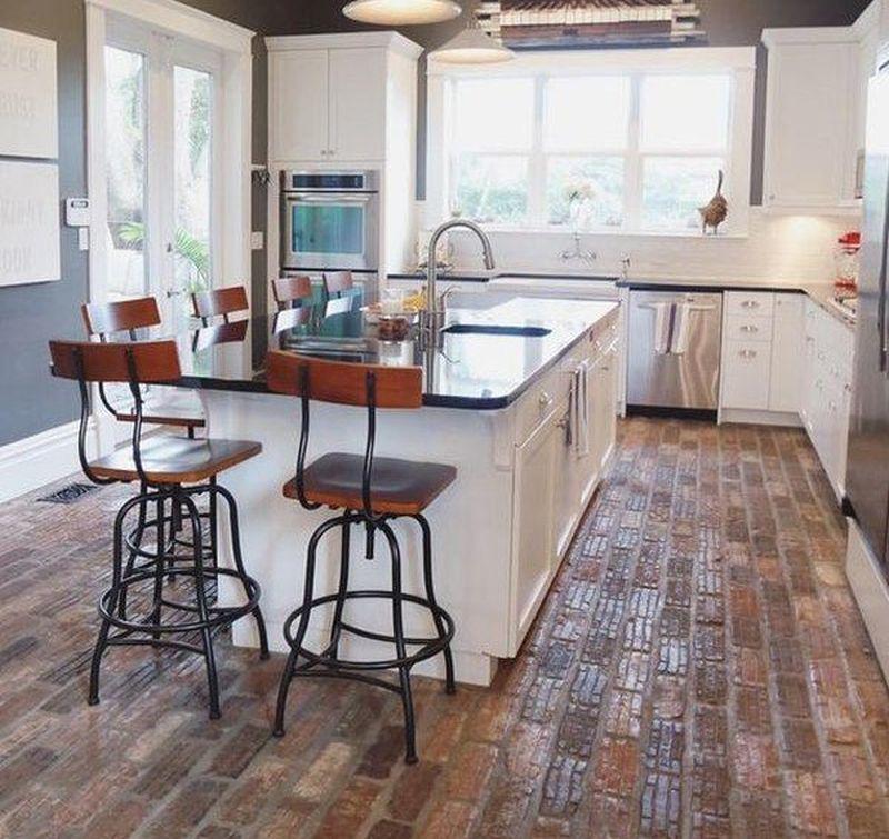 Підлога з цегли в кухонному інтер'єрі