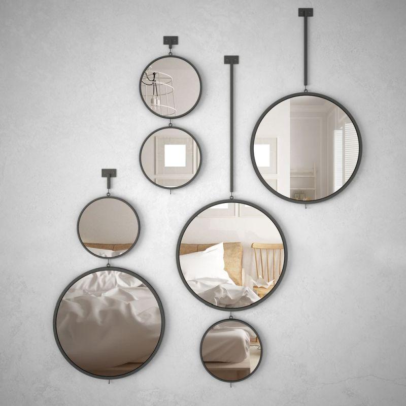 Композиція з круглих дзеркал