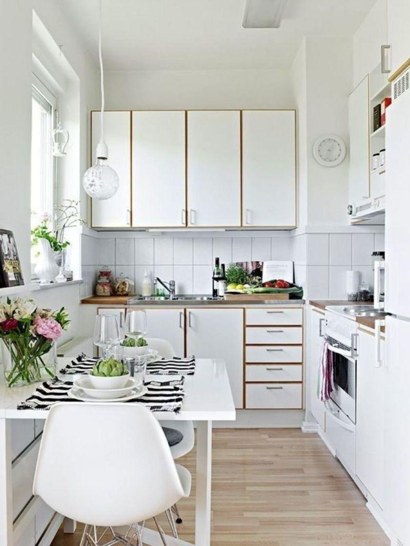 Вузька кухня з кутовим плануванням