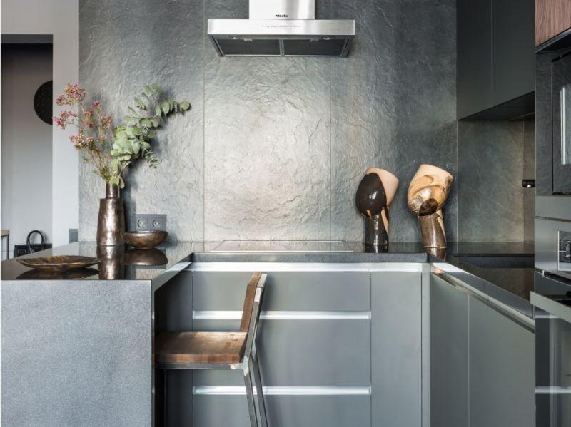 Широкоформатна керамічна плитка для обробки кухні