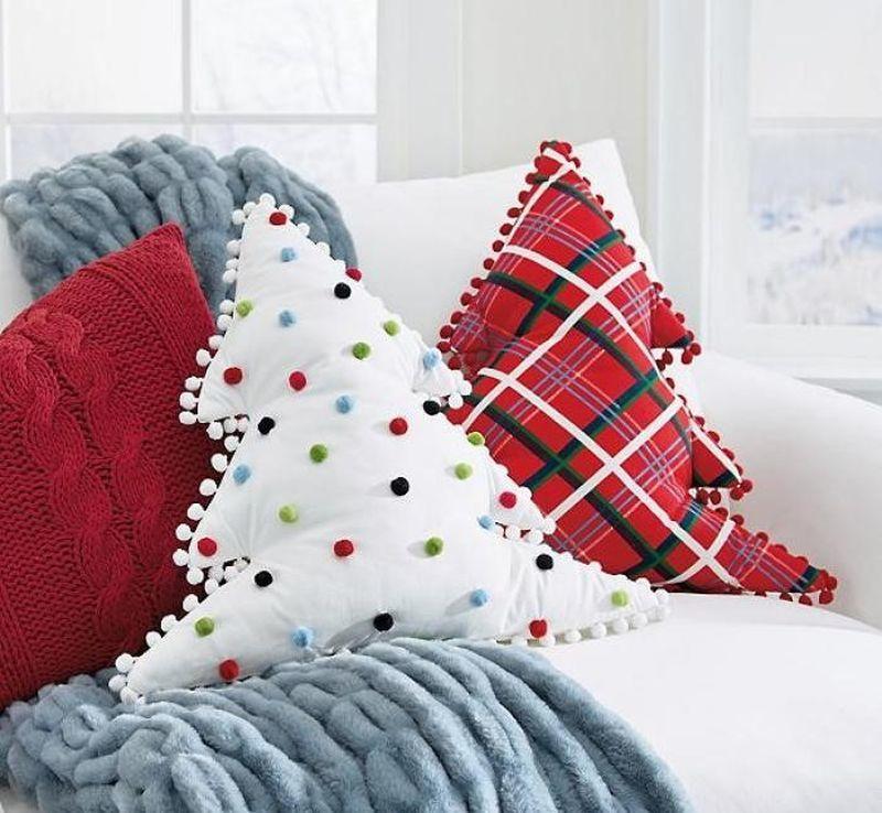 Декоративні подушки у вигляді ялинок