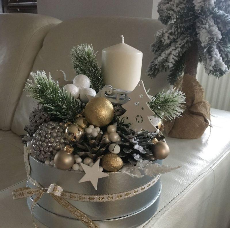 Срібло, золото та білий - найпоширеніші кольори зимових декоративних композицій