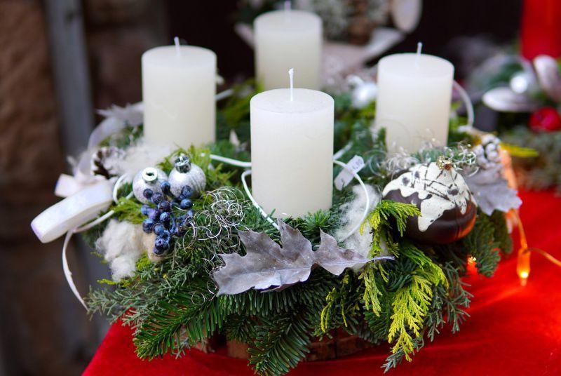 Різдвяний вінок зі свічками