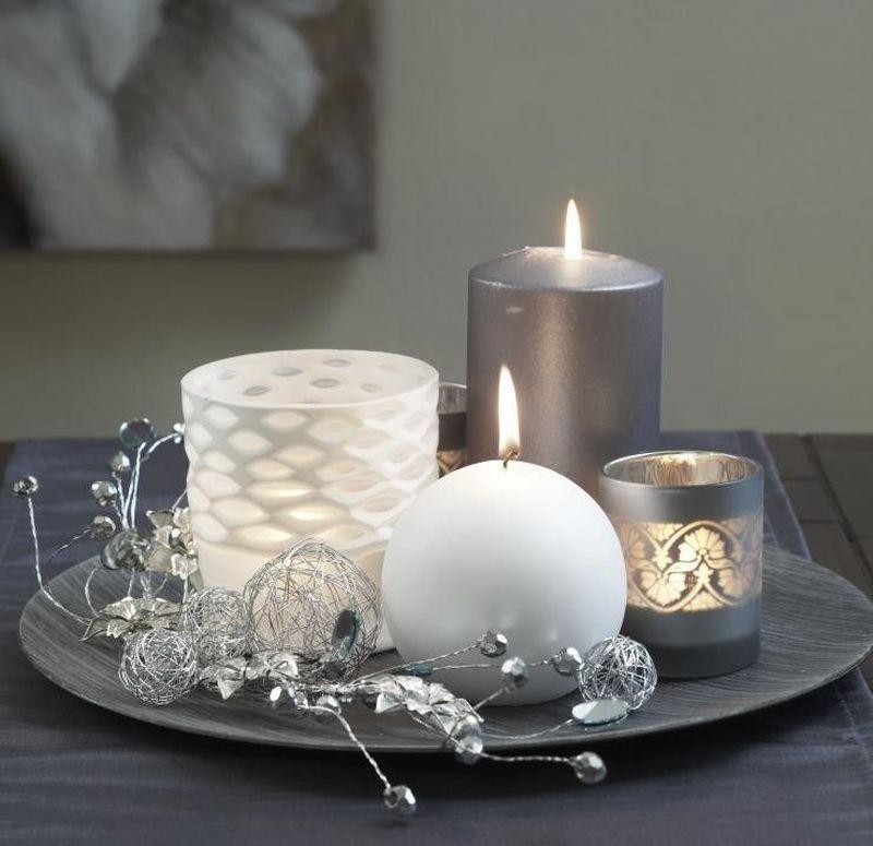 Свічки та свічники у різдвяній композиції