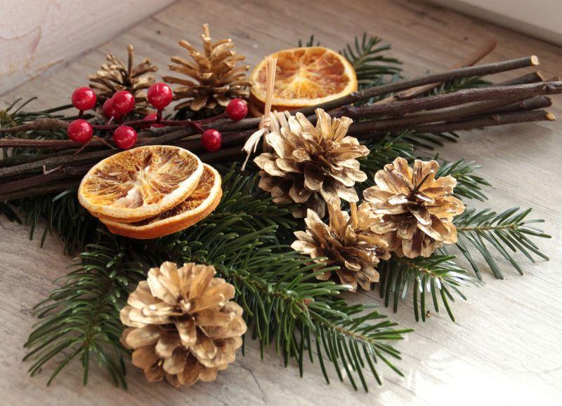 Простенька новорічна композиція з апельсиновим декором