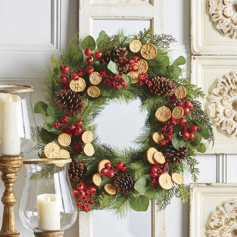 Новорічно-різдвяний віночок з цитрусовим декором