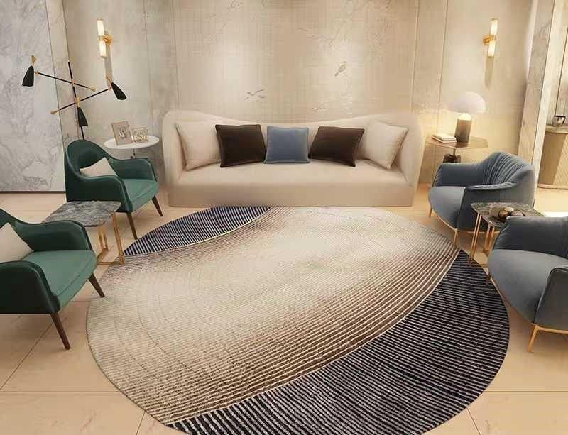 Круглий килим відділяє зону відпочинку в інтер'єрі вітальні
