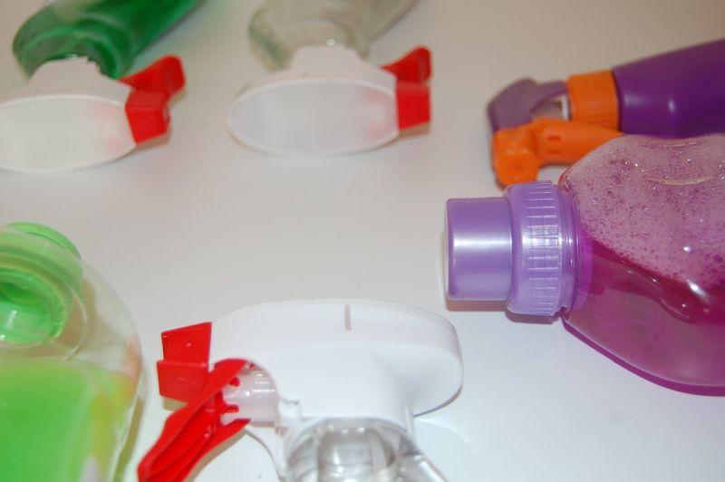 Догляд за глянсовими меблями: мийні засоби для прибирання
