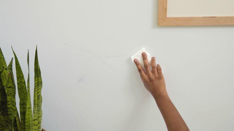 Видалення пилу зі стін