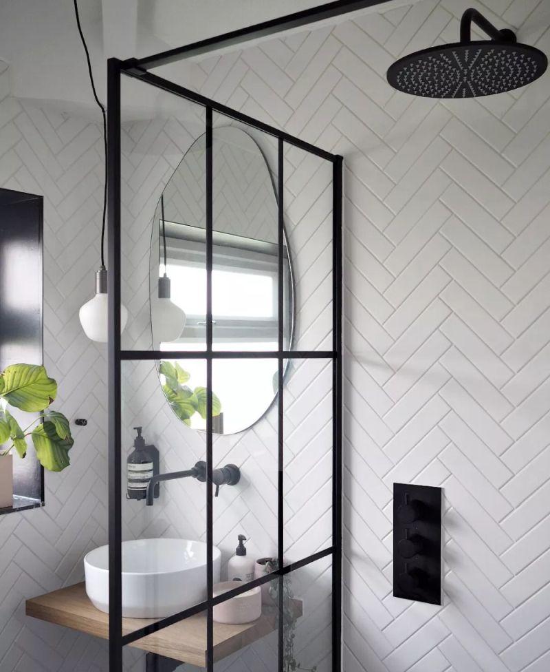 Сантехнічна фурнітура чорного кольору модна деталь для ванни у 2021 році