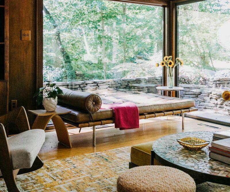 Вітальня з кушеткою замість дивана
