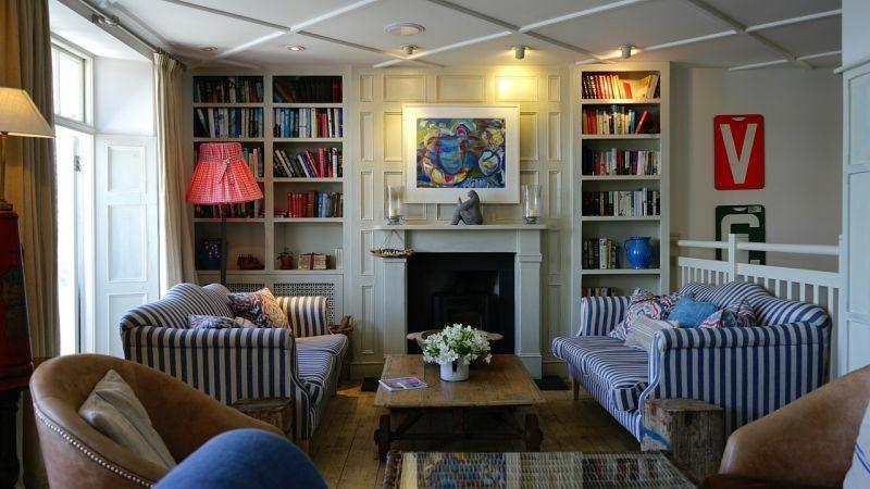 Дискомфорт в інтер'єрі може викликати перевантаженість кімнати меблями