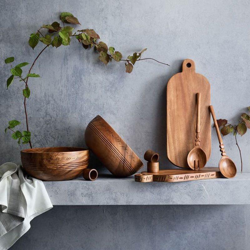 Посуд і кухонне начиння з дерева