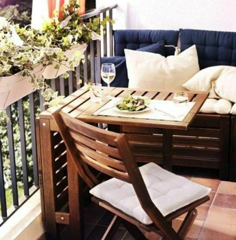 Облаштування балкона: обідній куточок