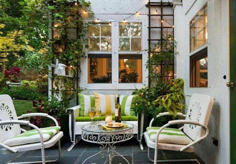 Декорування тераси кімнатними рослинами
