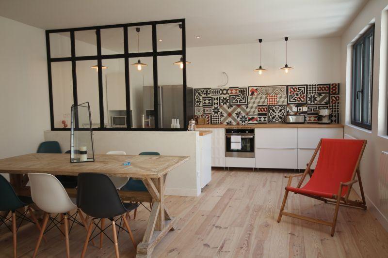 Підлога на кухні з дерева